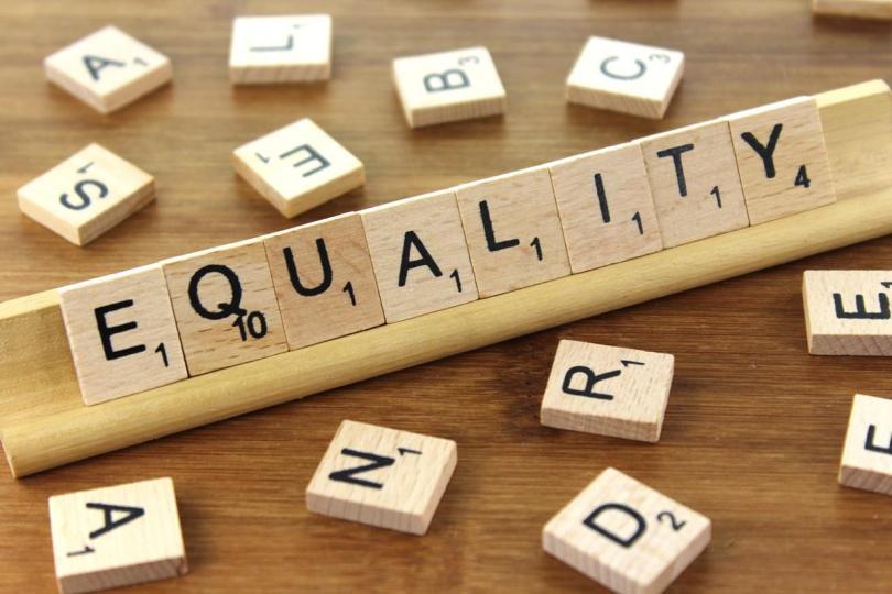 Alfapet med ordet Equality
